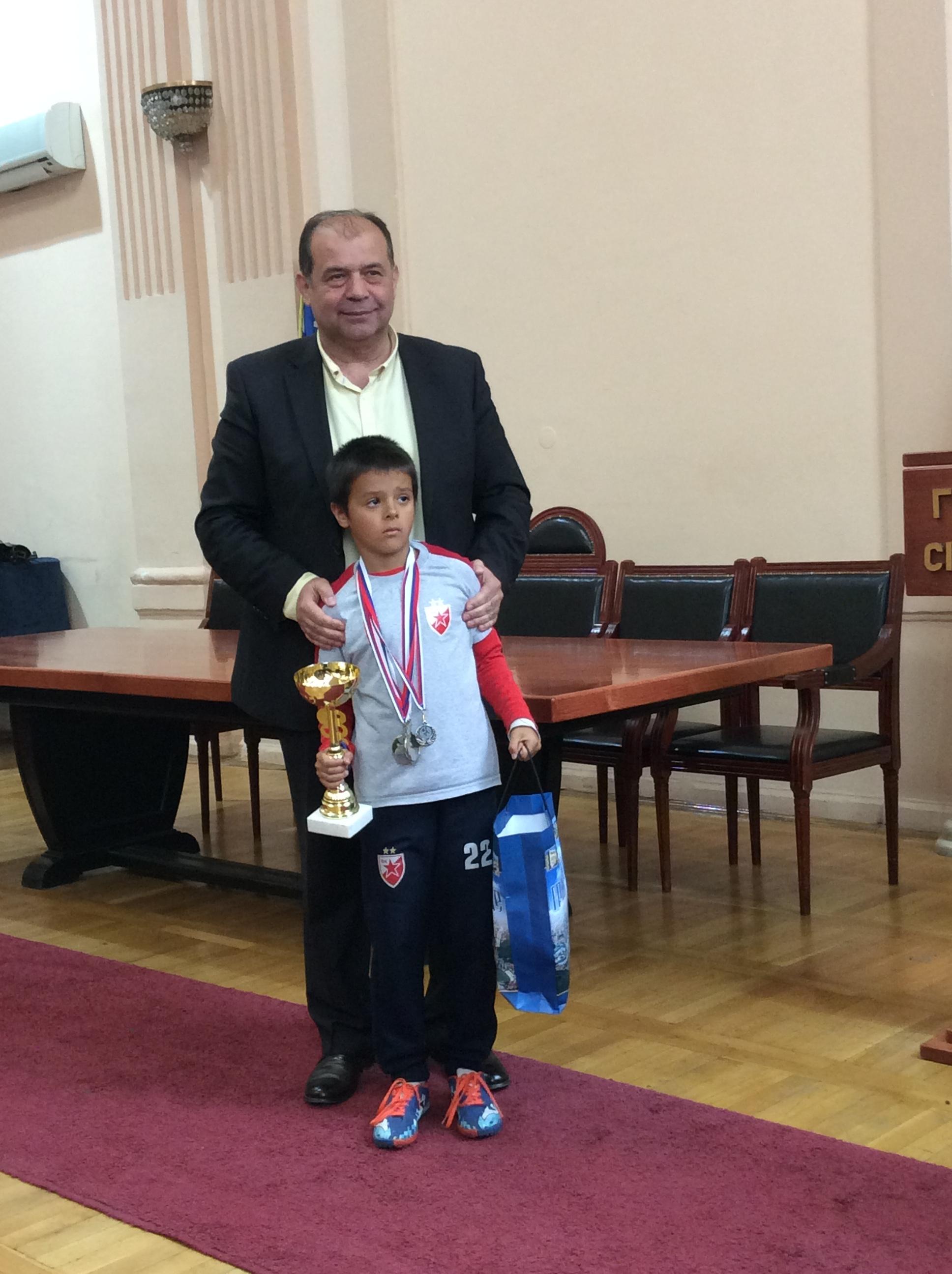 Kapiten ekipe C.Zvezda Užice sa gradonačelnikom