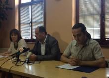 Marica Lazović, defektolog, Tihomir Petković, gradonačelnik Užica i Čedomir Cicović, Udruženje dečje i cerebralne paralize Foto--URP