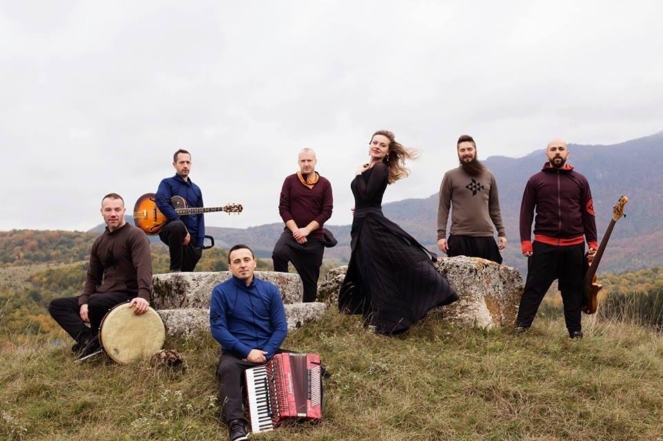 Divanhana, neguje tradicionalnu muziku Balkana sa akcentom na sevdalinkama