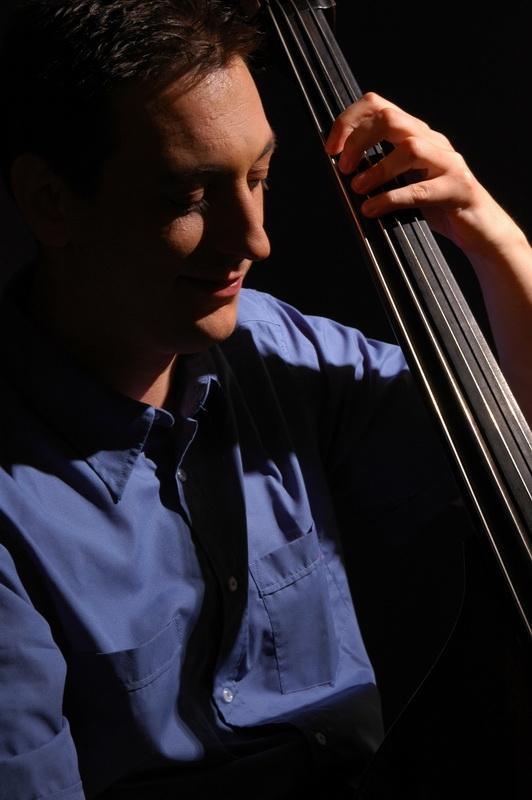 """Nenad Vasilić, jedan od najuspešnijih srpskih džezera u inostranstvu Foto-- Staro selo """"Sirogojno"""""""