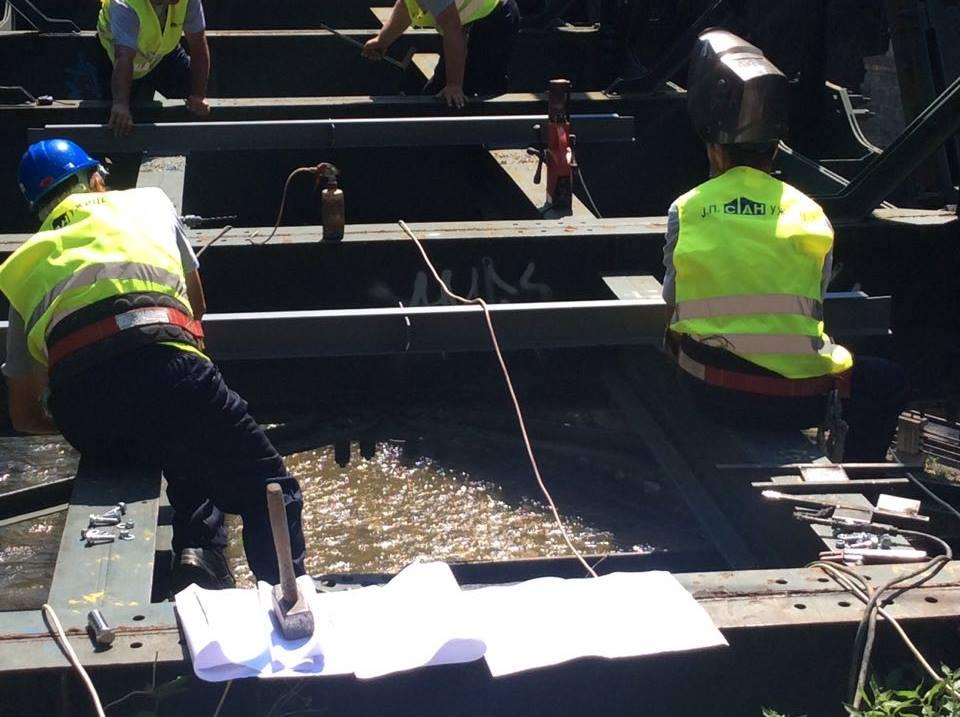 Radnici JP Stan angažovani su na ovom poslu  Foto--URP