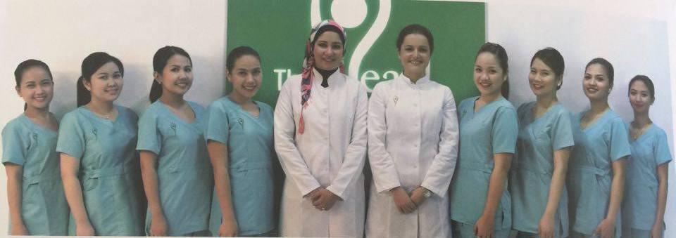 Dr Dušica Marjanović, sa koleginicima iz The Pearl Dermatology and Laser Centre u Kataru gde radi poslednjih godinu dana Foto--privatni album