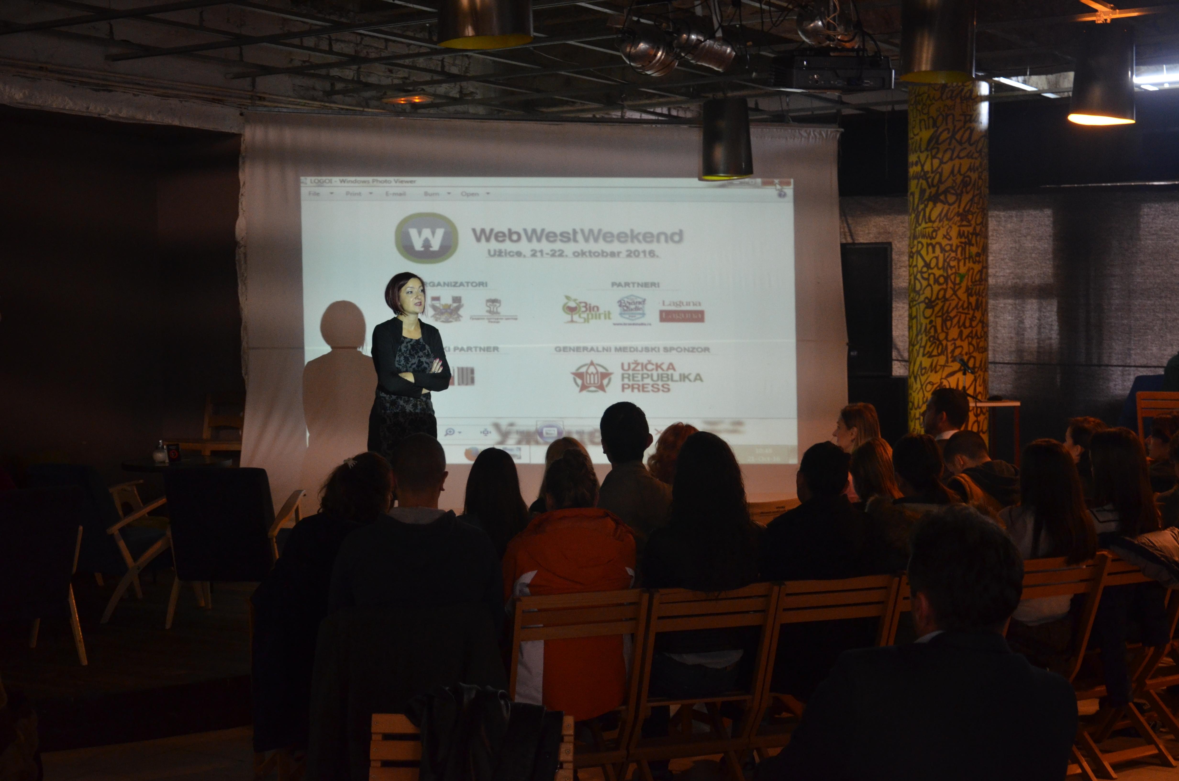 O prednostima i manama društvenih mreža na svim nivoima obrazovanja govorila je prof. dr Danijela Vasilijević, redovna profesorka Učiteljskog fakulteta iz Užica Foto--URP