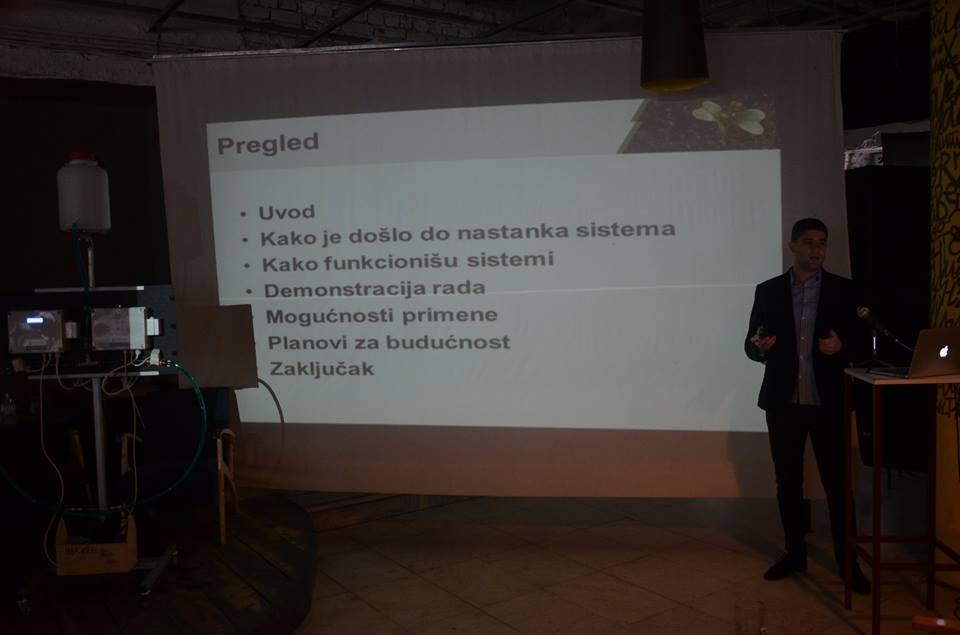 Lazar Jovanović, demonstrirao je SMS navodnjavanje 22. oktobra na konferenciji Web West Wekkend u Užicu  Foto--C.N.