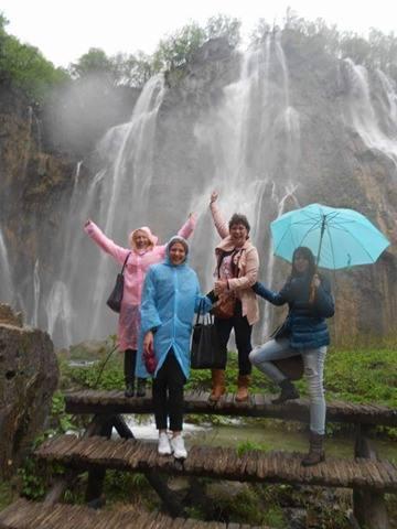 U Skandinaviji ni kiša ne može da pokvari raspoloženje i dobro druženje Foto--privatni album R.S.