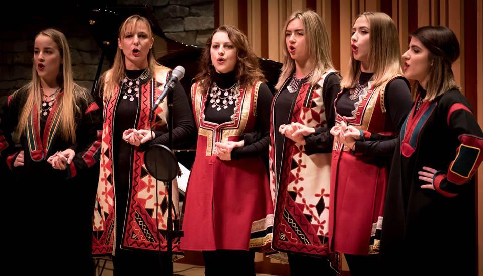 """Srpske tradicionalne pesme zahvaljući SKUD """"Zavičaj"""" pevaju se i na tlu Kanade Foto--privatni album I.M."""