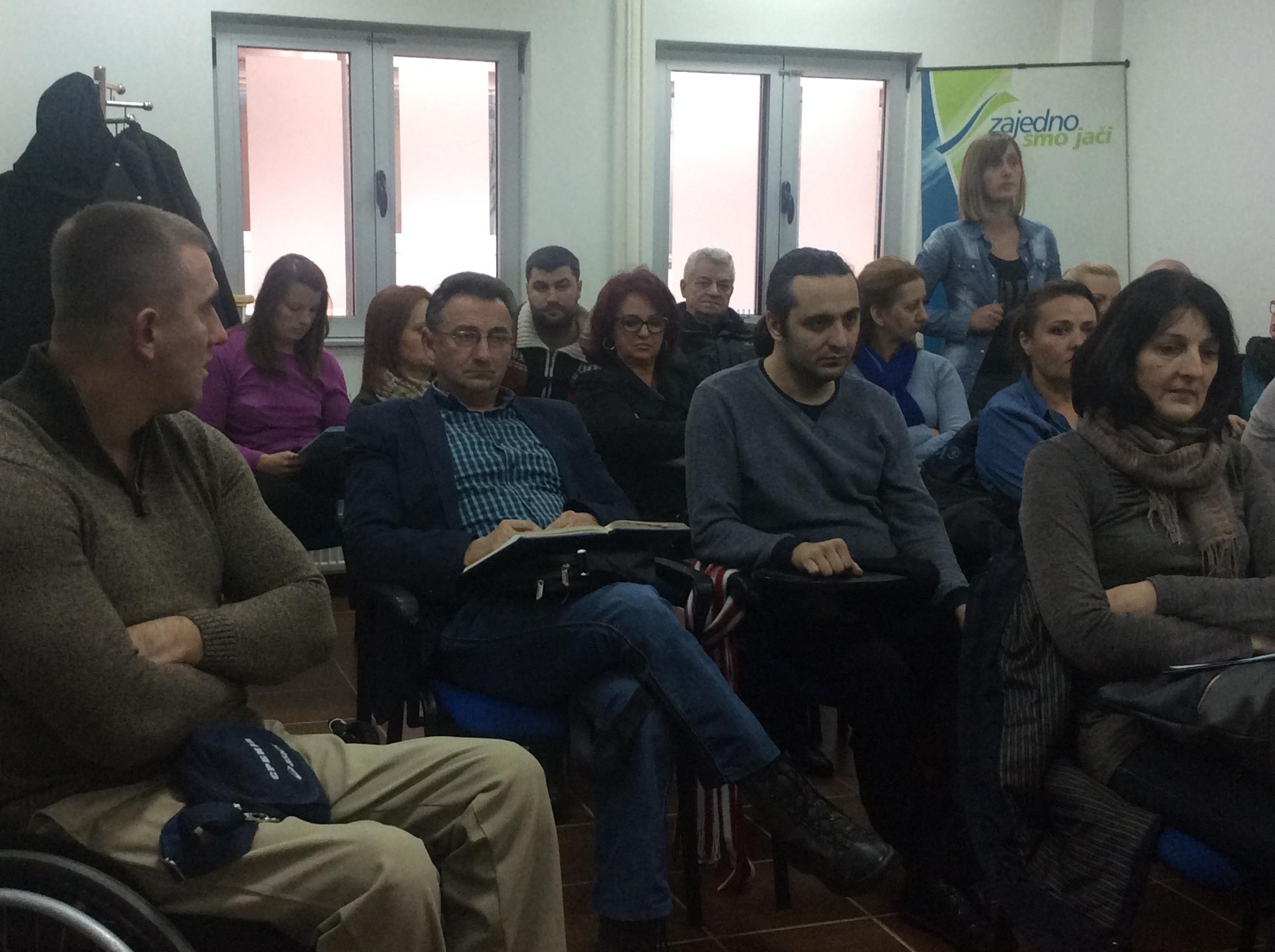 Sastanak zajednice udruženja osoba sa invaliditetom sa gradskim većnikom za socijalna pitanja Foto--URP