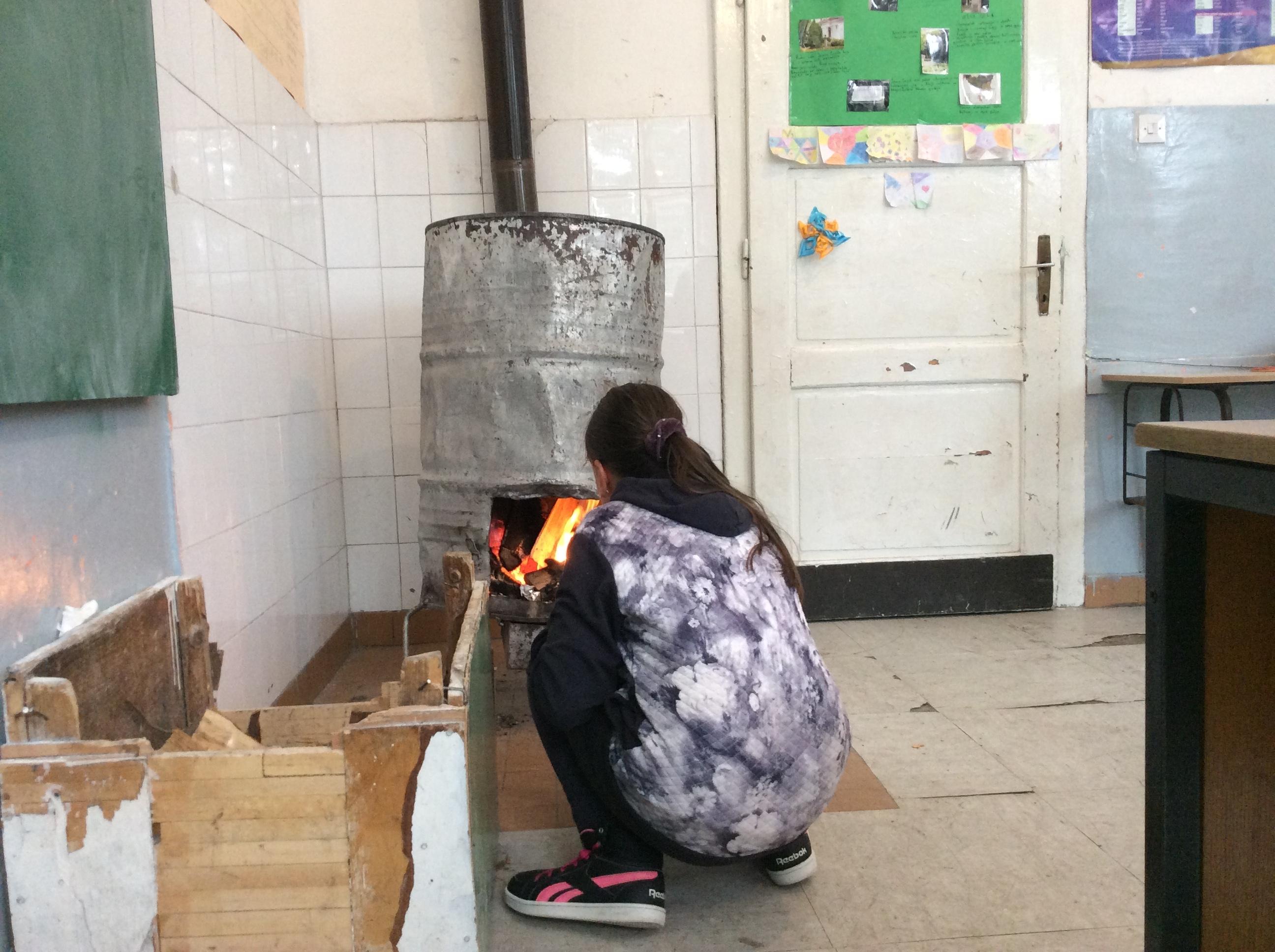 Učenici škole u Gostinici veruju da će bubnjare iz njihovih učionica uskoro biti muzejski eksponati Foto--URP