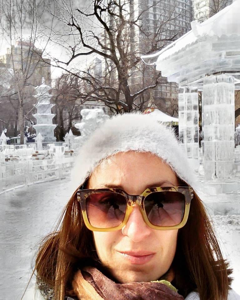 Ana Vuksanović na festivalu leda u Harbinu u kome živi već godinu dana  Foto--privatni album A.V.
