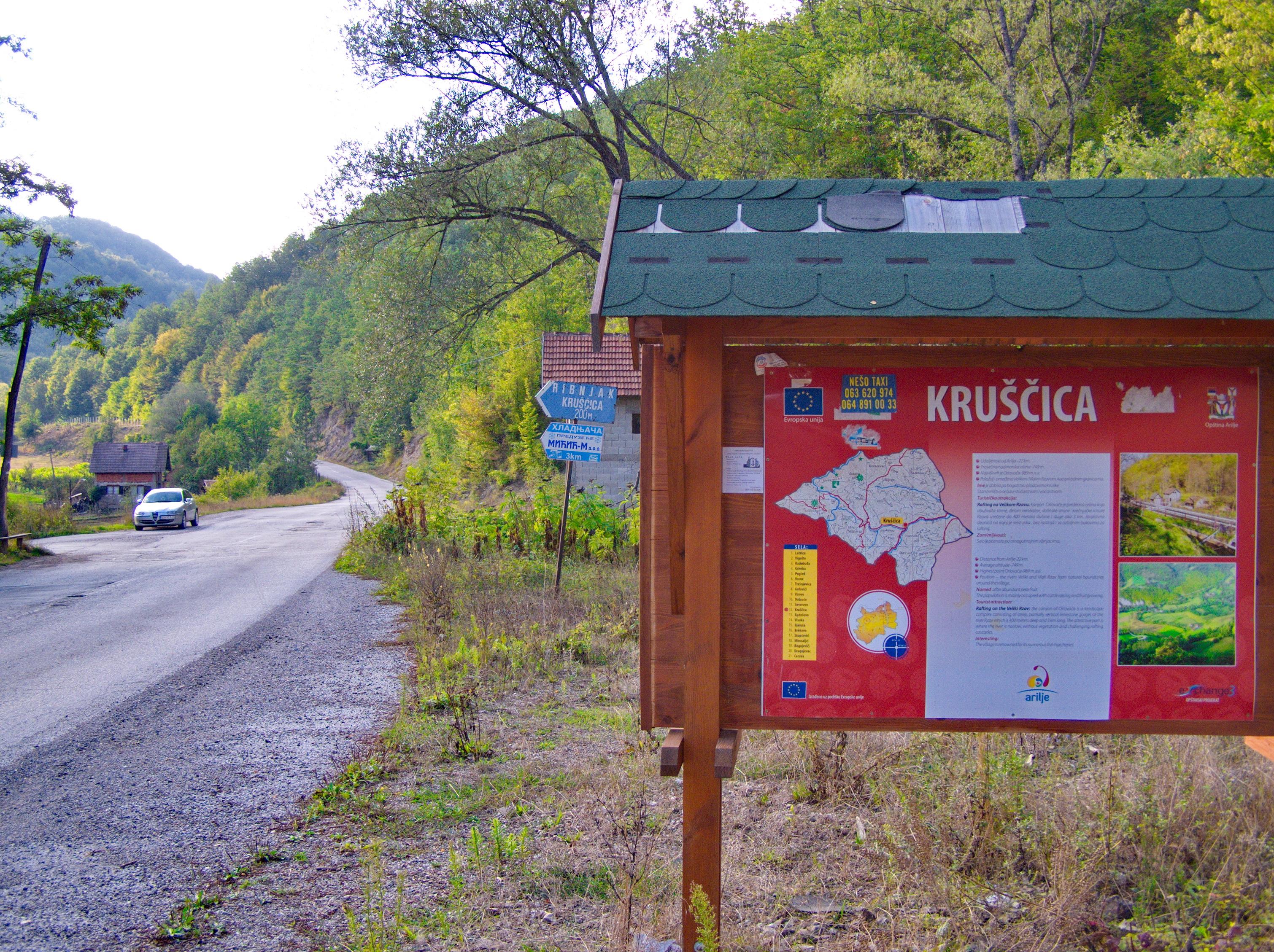 U selu Kruščica u opštini Arilje koje je zahvatilo snažno nevreme proglašena je vanredna situacija