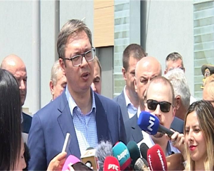 Predsednik Srbije, Aleksandar Vučić kaže da će u namenskoj industriji u Uzićima kod Požege do kraja druge faze biti novih radnih mesta Foto--M.Vranić i M.Vulović