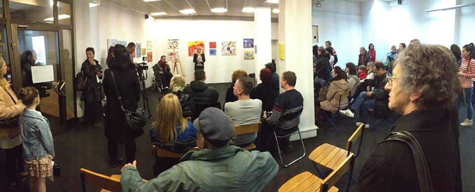 Aukcije umetničkih dela osoba sa invaliditetom privukle su veliku pažnju ljubitelja umetnosti u Požegi i u Arilju Foto--D.B. privatni album