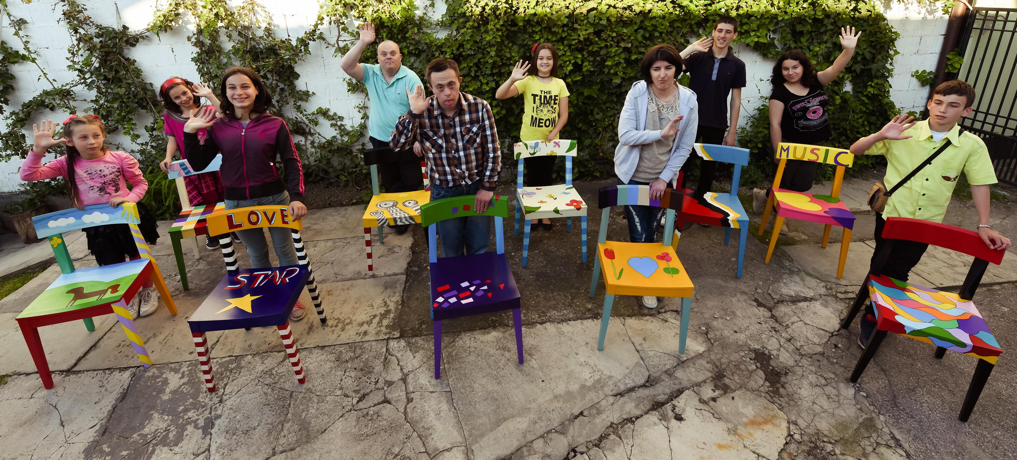 """""""Čarobna stolica"""" izazvala je veliku pažnju javnosti u Požegi i regionu Foto--D.B. privatna arhiva"""