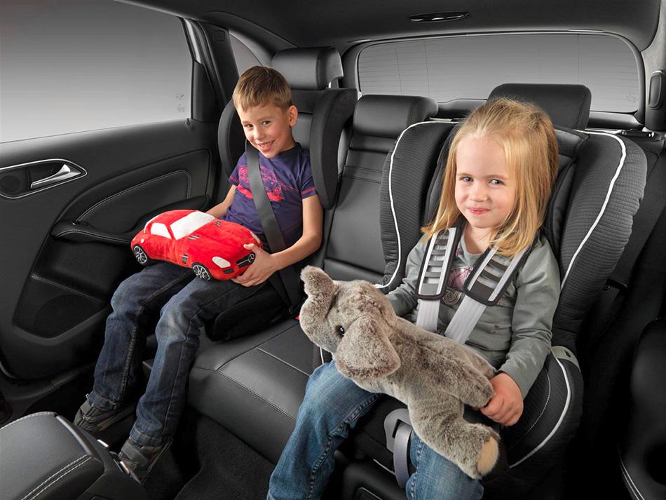 Bezbednosno sedište neophodno je u vozilu sa malom decom