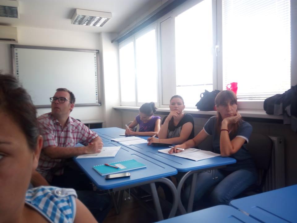 Članovi udruženja koji su pohađali obuku o sušenju voća i povrća Foto--OSI