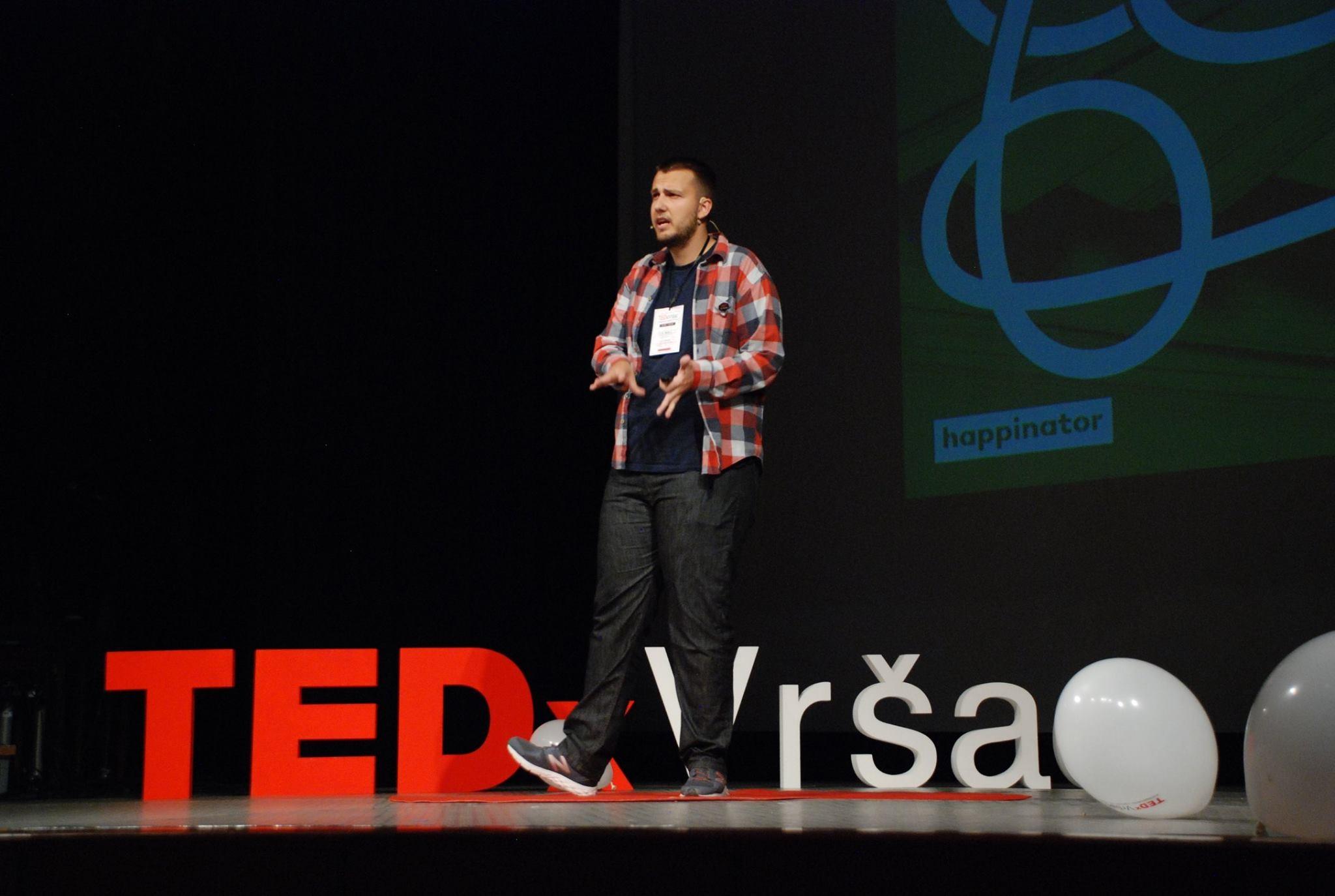 Govor na TEDx u Vršcu o potencijalu tehnologije da doprinese pozitivnim društvenim promenama Foto--M.B. privatni album
