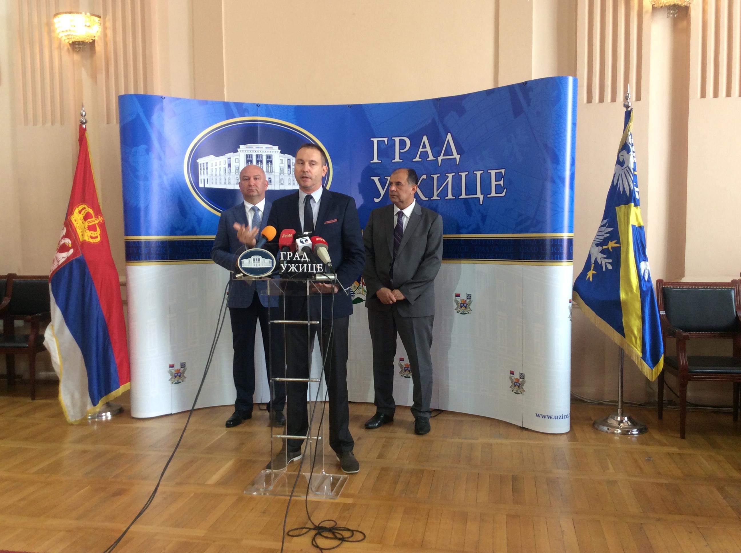 Nenad Popović, ministar za inovacije i tehnološki razvoj i Ivan Rakonjac,direktor Fonda za inovacionu delatnost promovisali u Užicu dva programa Fonda  Foto--URP