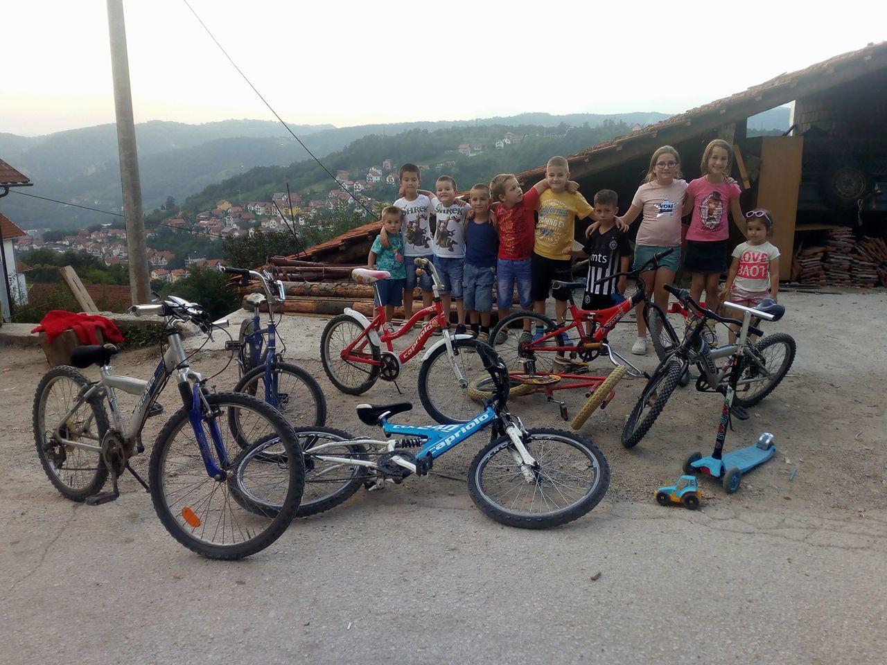deca i bicikle